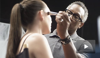 Learn how to create an easy, everyday look from Global Makeup Artist Gregg Brockington.