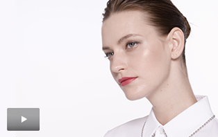 Watch the how-to video for the Modern Bride makeup artist look from Mary Kay.